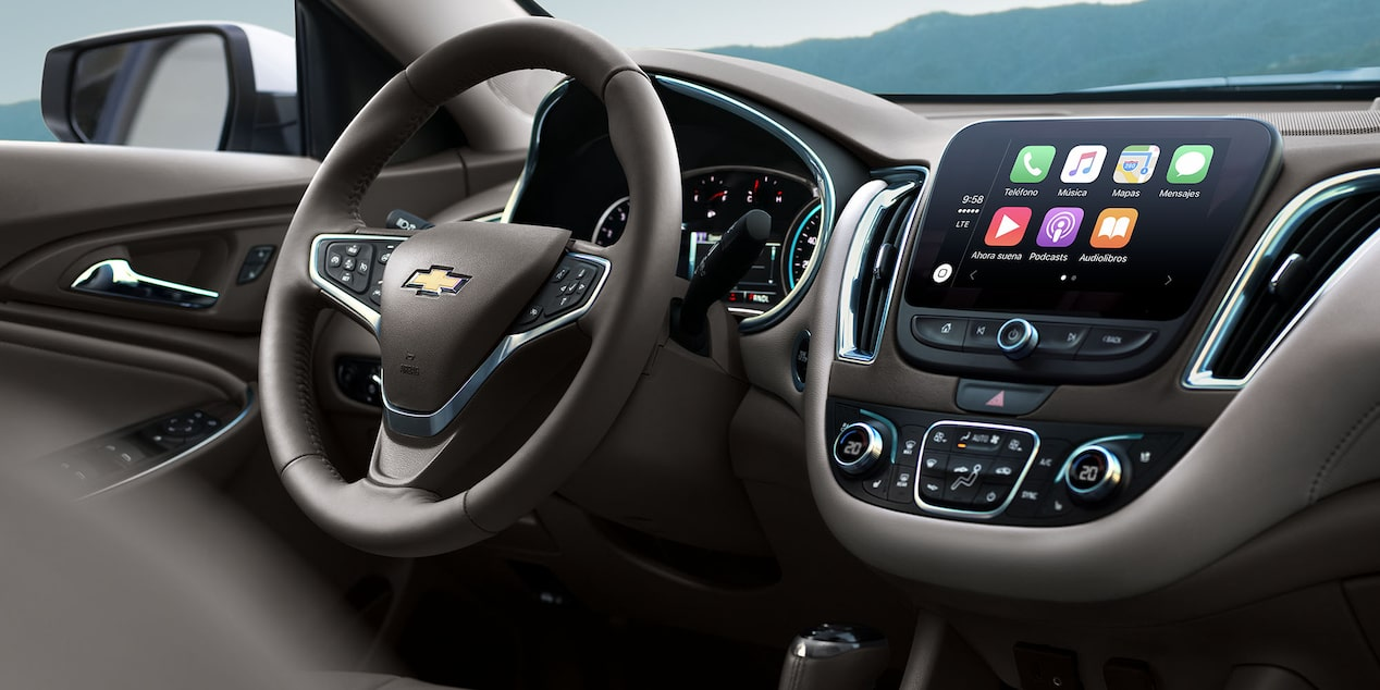 Chevrolet Malibu 2018 aporta Smartphone Integration con Apple CarPlay y Android Auto y pantalla táctil a color de 8 pulgadas