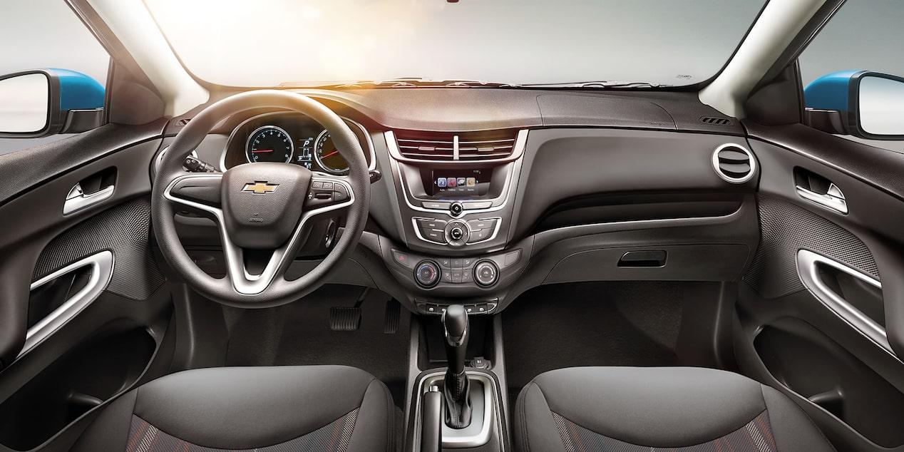 Chevrolet Aveo 2019 sedán incluye computadora de viaje con indicador de economías de combustible y temperatura