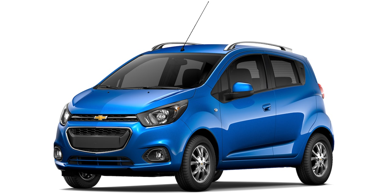 Chevrolet Beat Hatchback 2019 en color índigo.