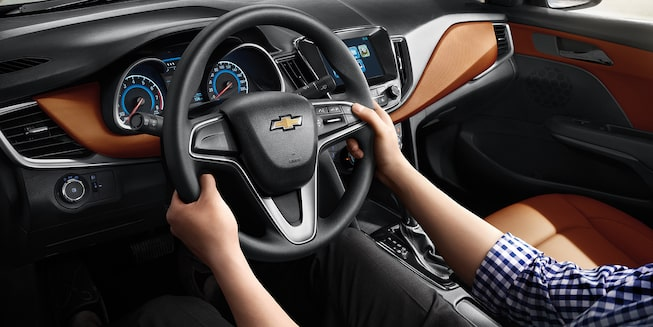 Chevrolet Cavalier 2019, auto familiar, incluye volante con controles de audio y manos libres