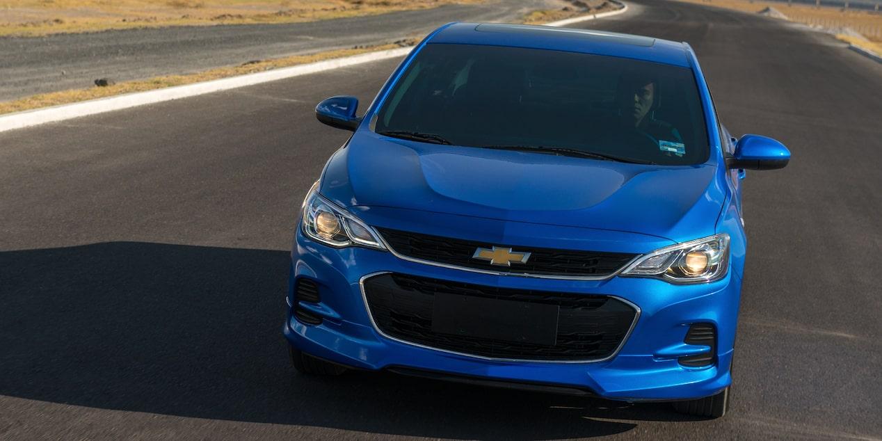 Chevrolet Cavalier 2019, auto familiar, incluye espejos laterales eléctricos, calefactables y sistema de asistencia en pendiente