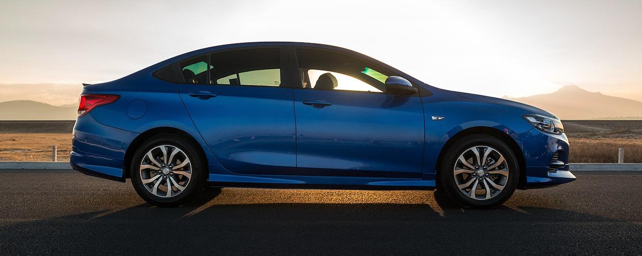 Chevrolet Cavalier 2019, equipado con dirección electroasistida, transmisión manual de 5 velocidades y automática de 6 velocidades