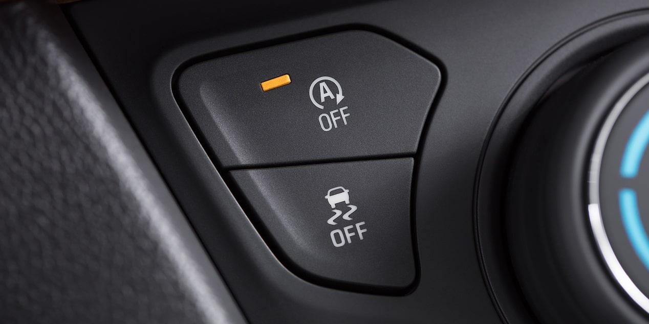 Auto familiar Chevrolet Cavalier 2019 con control de apertura remota y sistema StabiliTrak
