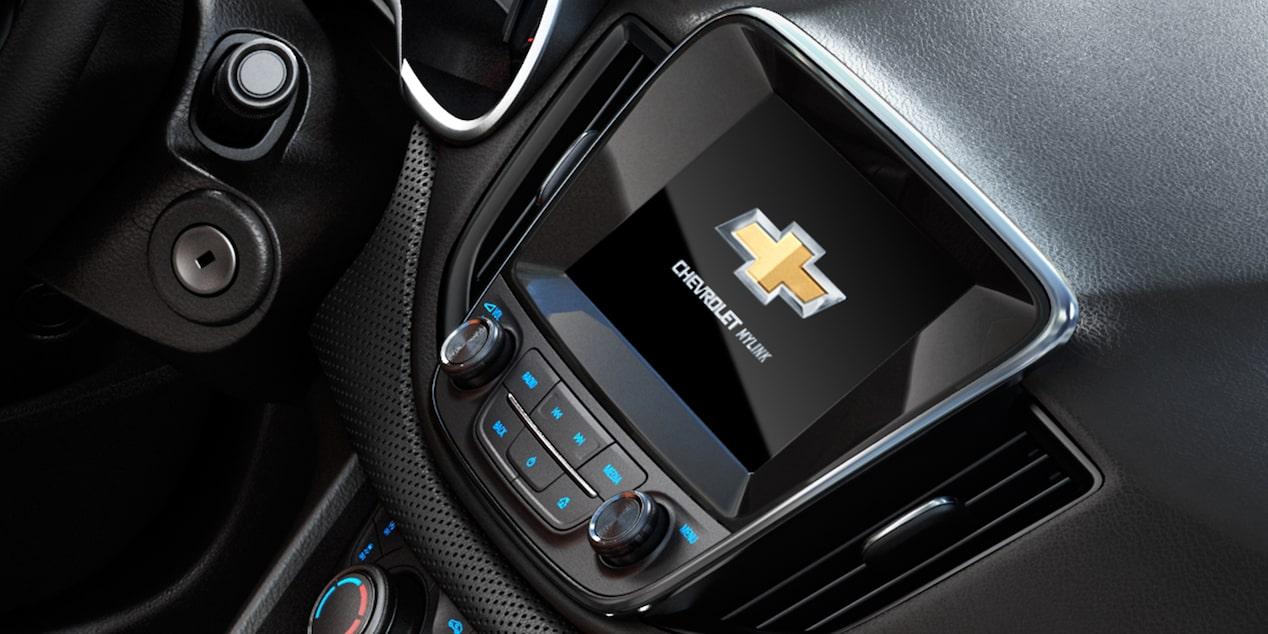 Auto familiar, Chevrolet Cavalier 2019, incluye radio AM FM, reproductor MP3, entrada para USB, AUX IN y conexión Bluetooth