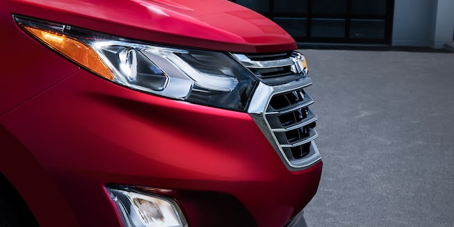 Chevrolet Equinox 2019 con faros LED con IntelliBeam.