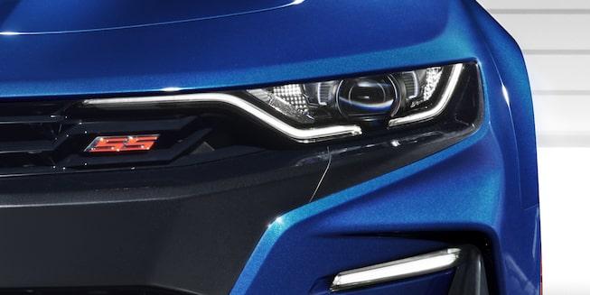 Chevrolet Bolt EV 2019 con cargador para contactos estándar de 120 volts o con la unidad de 240 volts para carga ultra-rápida