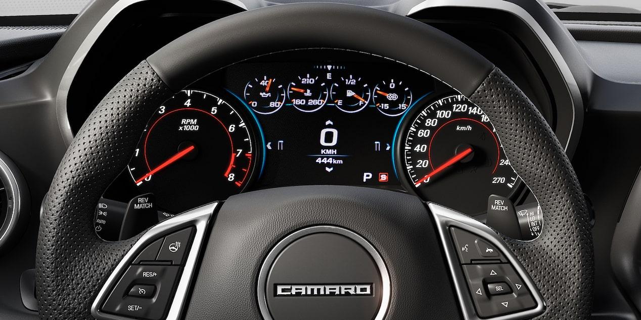 Chevrolet Camaro 2019, deportivo, con tablero de instrumentos reconfigurable con información importante sobre el vehículo y el desempeño