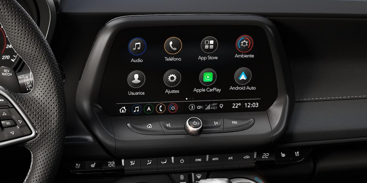 El info-entretenimiento de Chevrolet Camaro 2019, carro deportivo, incluye pantalla táctil de 8 pulgadas, 9 bocinas BOSE y head up display
