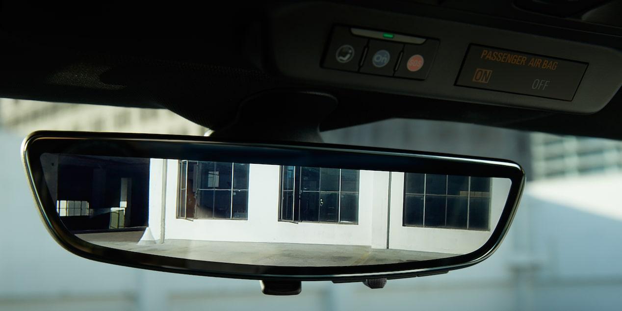 Chevrolet Camaro coupé 2019, carro deportivo, con espejo  retrovisor interior sensible a la luz electrocrómico con pantalla HD  y cámara de visión trasera