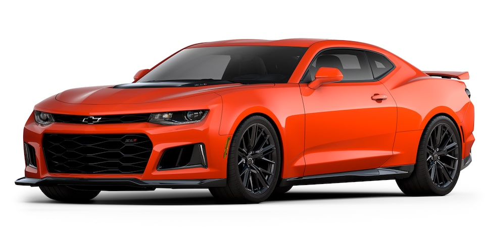 Chevrolet Camaro ZL1 2020, deportivo convertible en color orange metallic