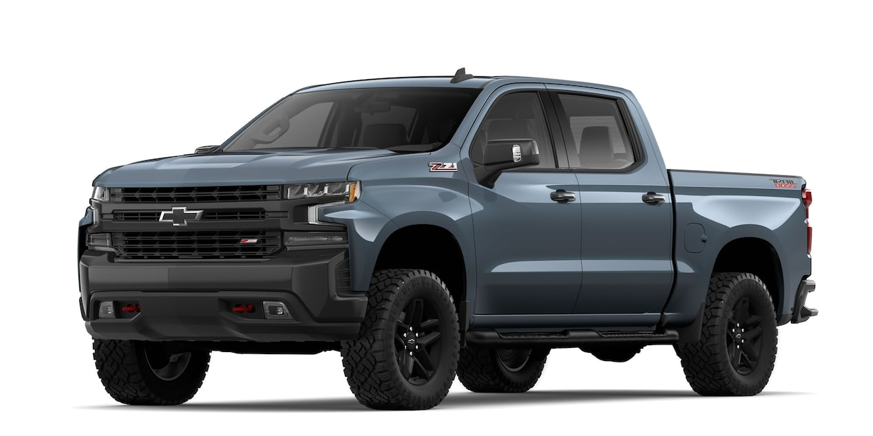 Chevrolet Cheyenne 2019, pick up, en color gris onix metálico