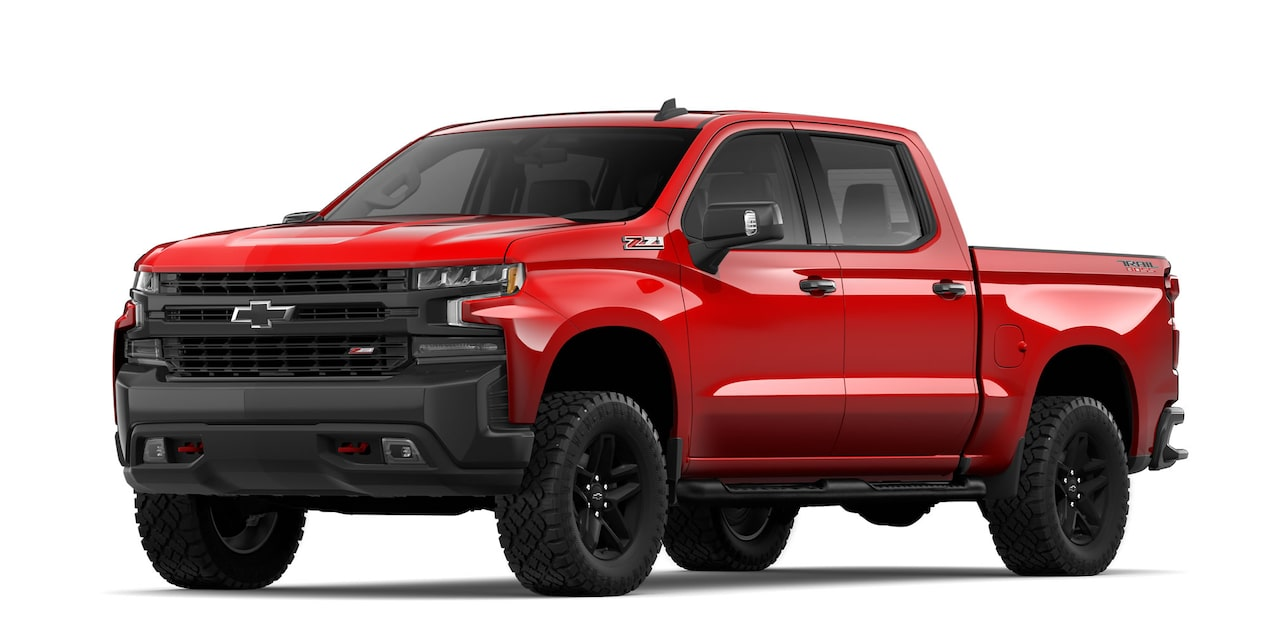 Chevrolet Cheyenne 2019, pick up, en color rojo lava