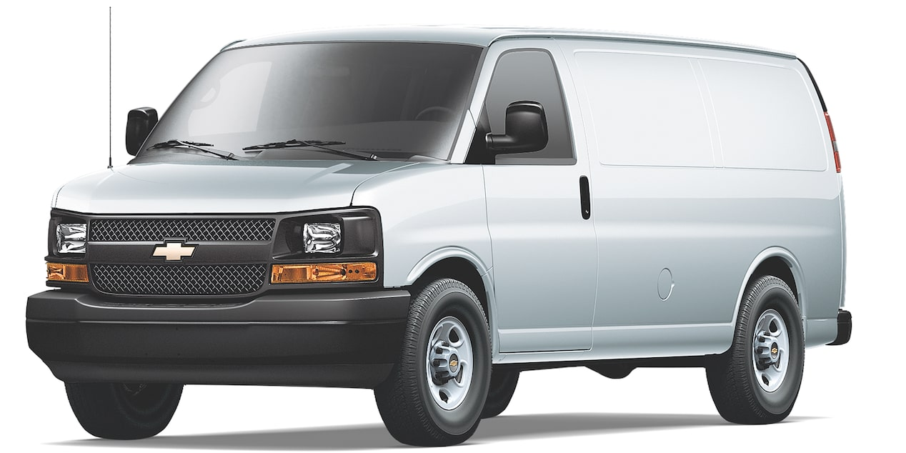 Chevrolet Express Cargo Van 2018 color plata brillante