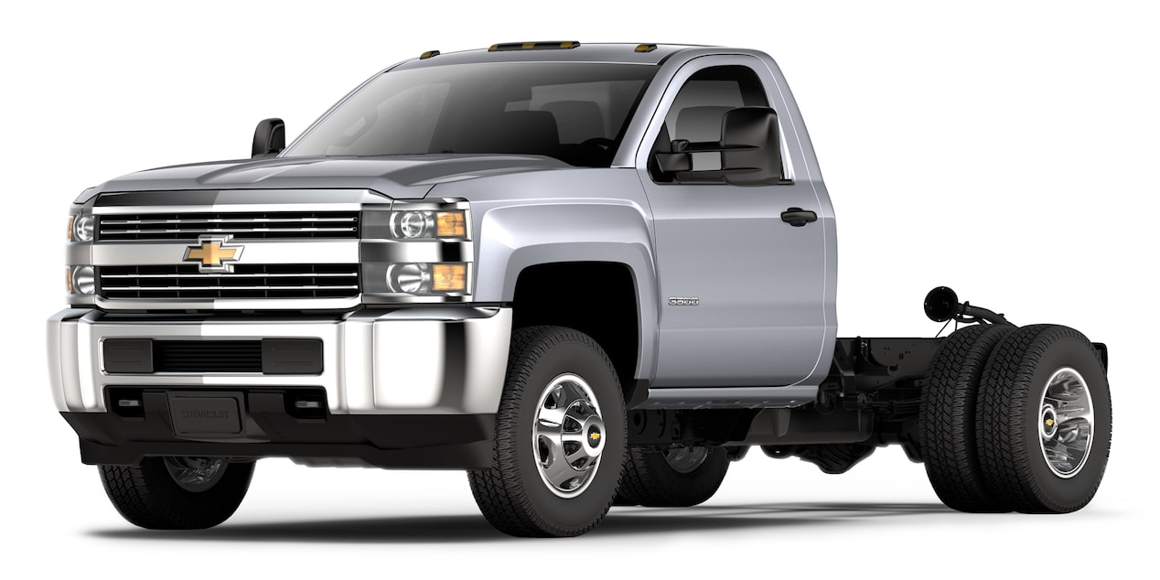 Chevrolet Silverado 3500 2018 color plata brillante