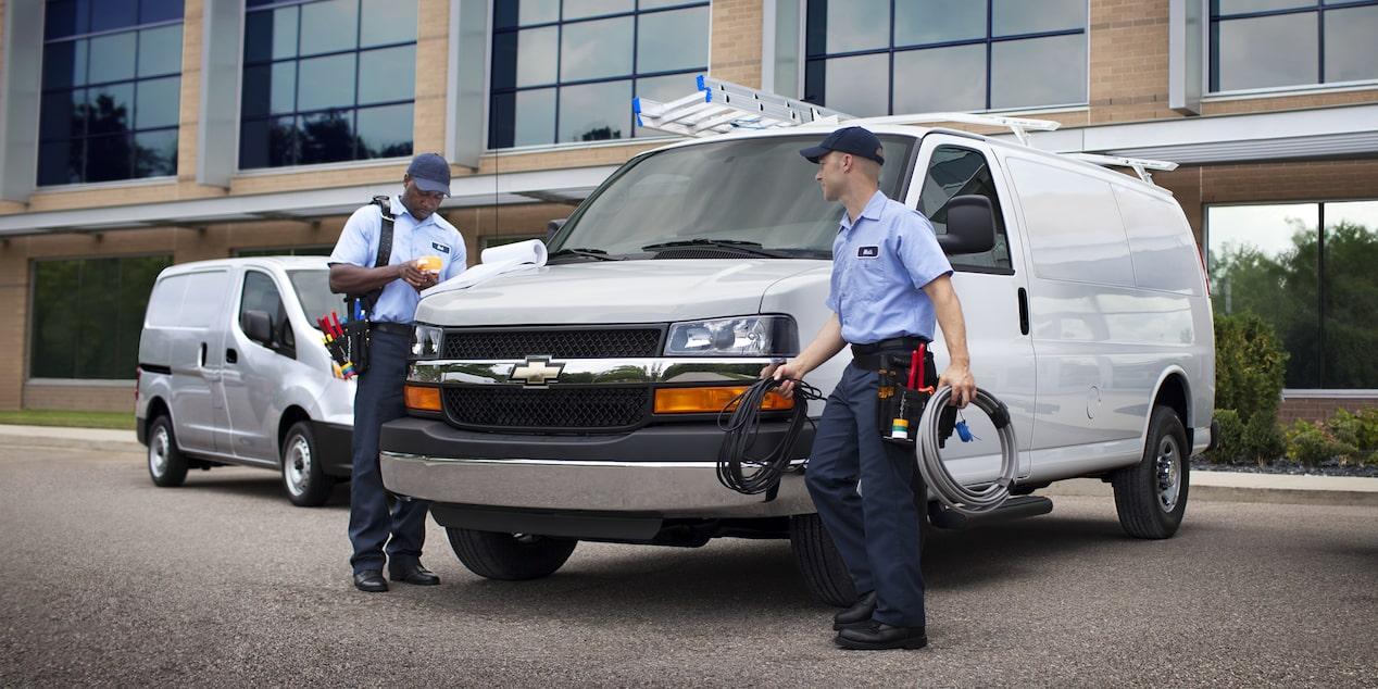 Chevrolet Express, camioneta van incluye 2 bolsas de aire para conductor y pasajero, 2 bolsas de aire tipo cortina, y 2 laterales
